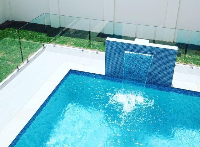 Frameless-Glass-pool-fence-1