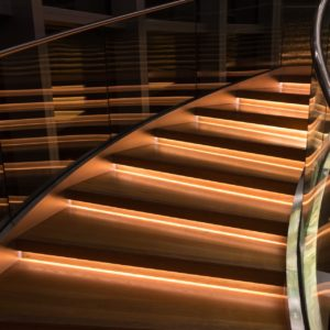 5 Reasons to Upgrade Your Traditional Railings with Glass Balustrading